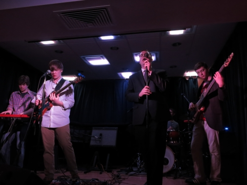 Akenda with special guest Evans Carter on vocals