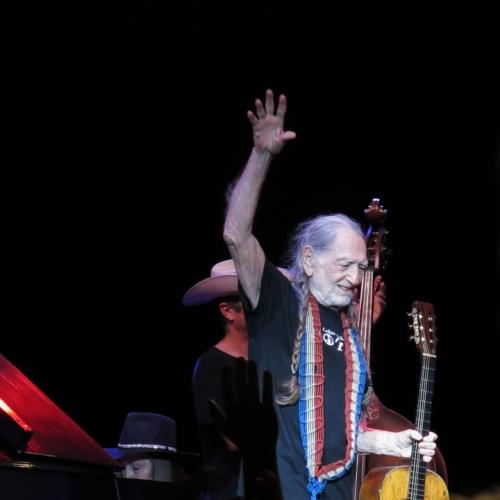 Willie waving good night