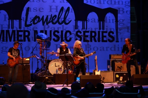 Lucinda and her Band