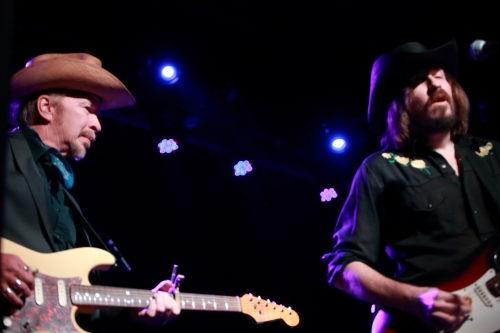 Dave Alvin with Aaron Bakker during The Far West's encore