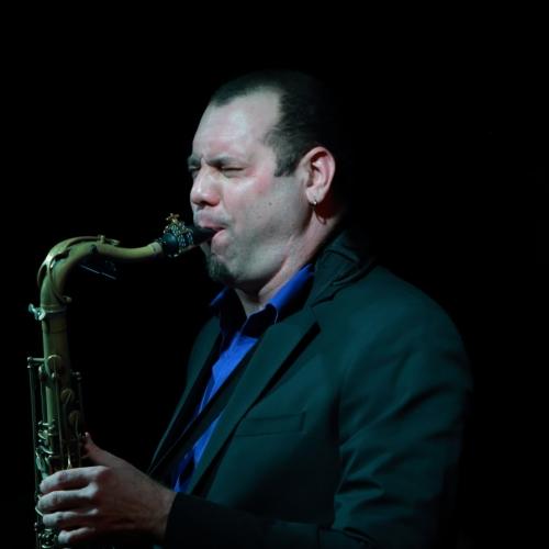Carlos Averhoff Jr.