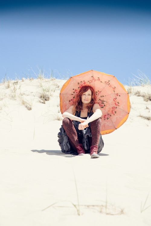 Patty Larkin (photo by  Jana Leon)