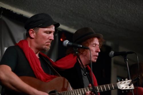 Peter Mulvey, Dennis Brennan