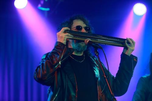 Magic Dick on the chord harmonica